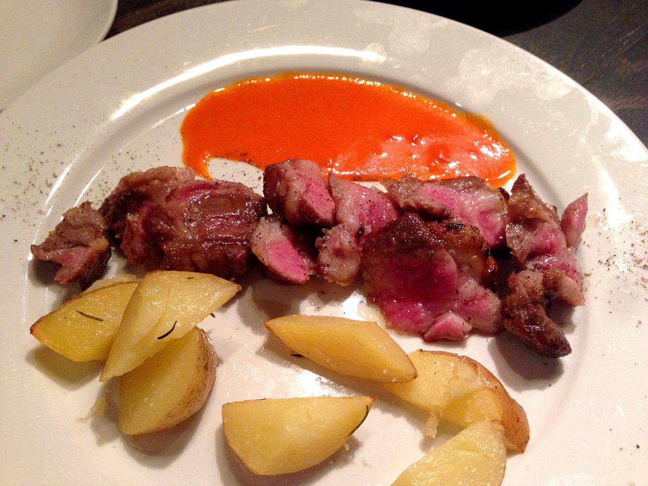 ドクトルカルネ 肉料理