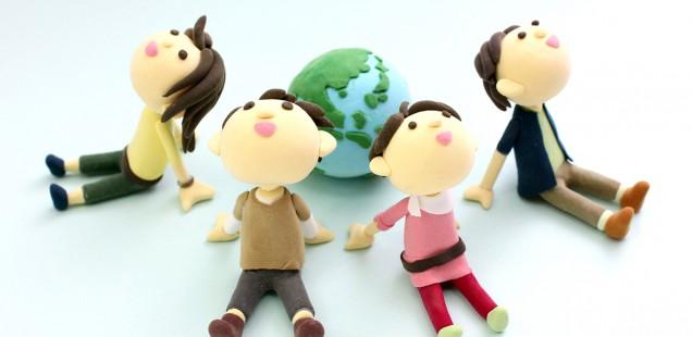 粘土でできた、地球と人