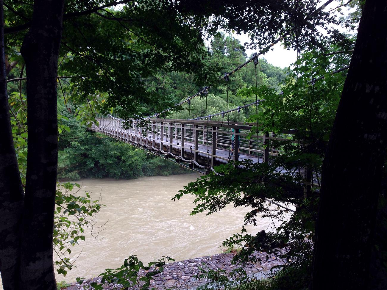 台風で増水した内子の小田川