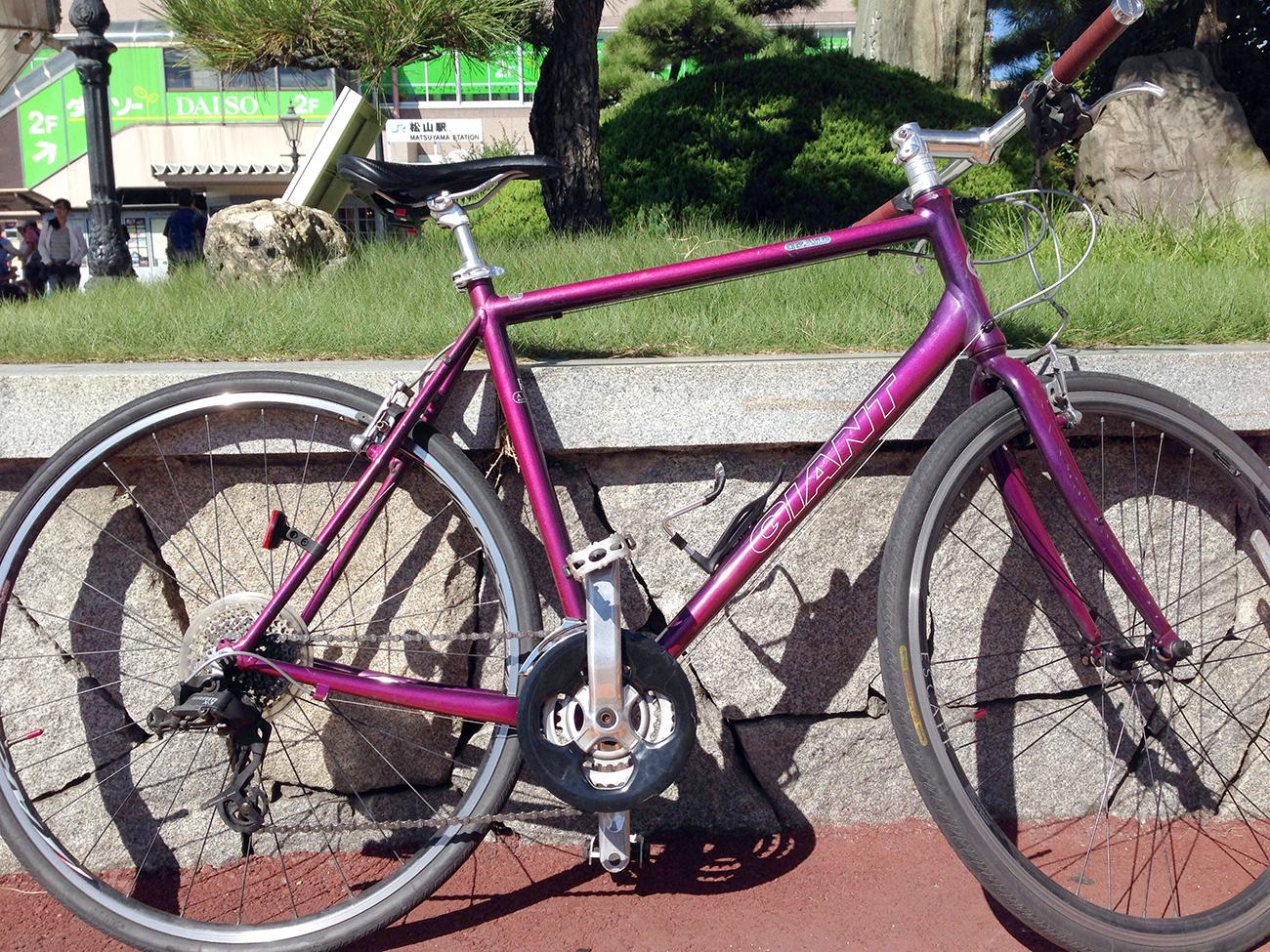 松山駅前に置いてマイ自転車