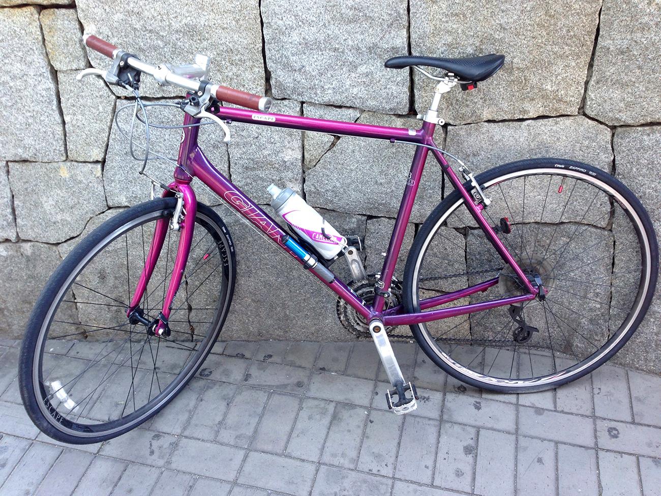 今治駅前のマイ自転車