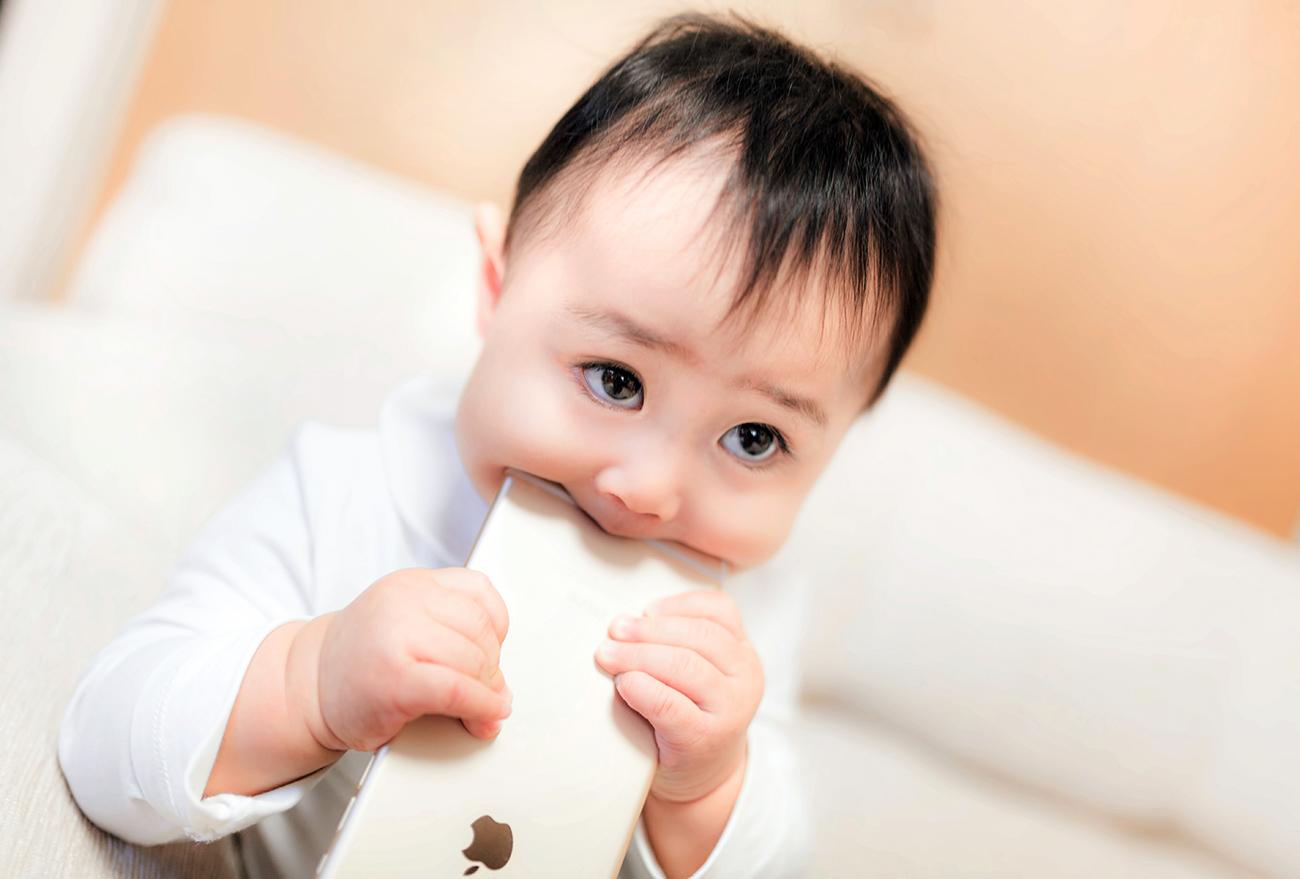 iPhoneと赤ちゃん
