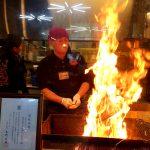 ひろめ市場「明神丸」のカツオの藁焼き