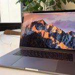 マツヤマンスペースにあるMacBook Pro